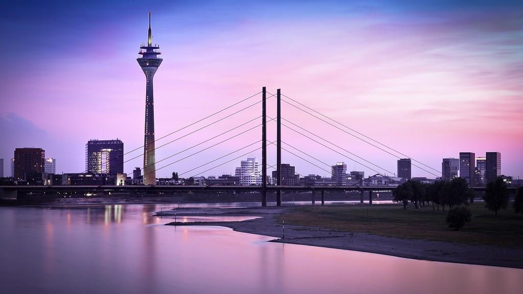 Düsseldorf mit Stadttor, Sitz der Staatskanzelei Bild: Frank Friedrichs CC BY-NC-ND 2.0